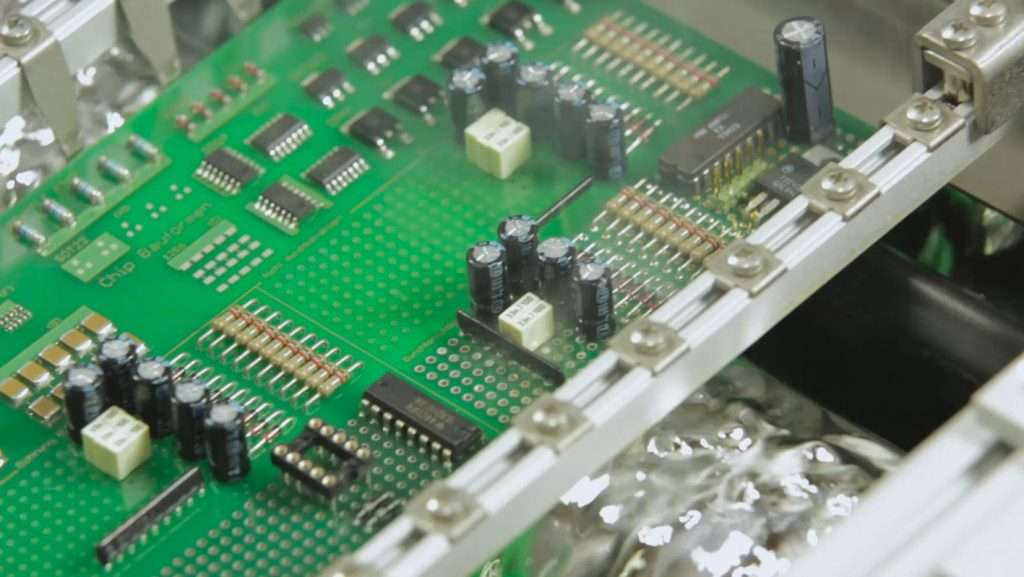 Electronics Manufacturing Printed Circuit Boards News Smt Assembly For Tv Pcb China During Wave Soldering Process With Fume