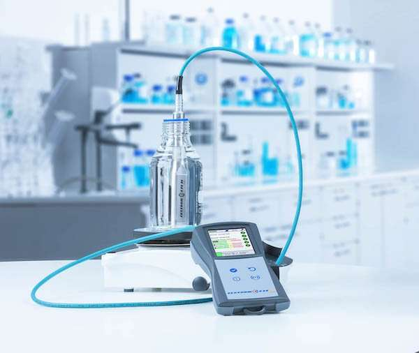 E18-15E-ZESTRON® EYE Mobile - fast concentration measurement for up to 10 different cleaning machines.jpg